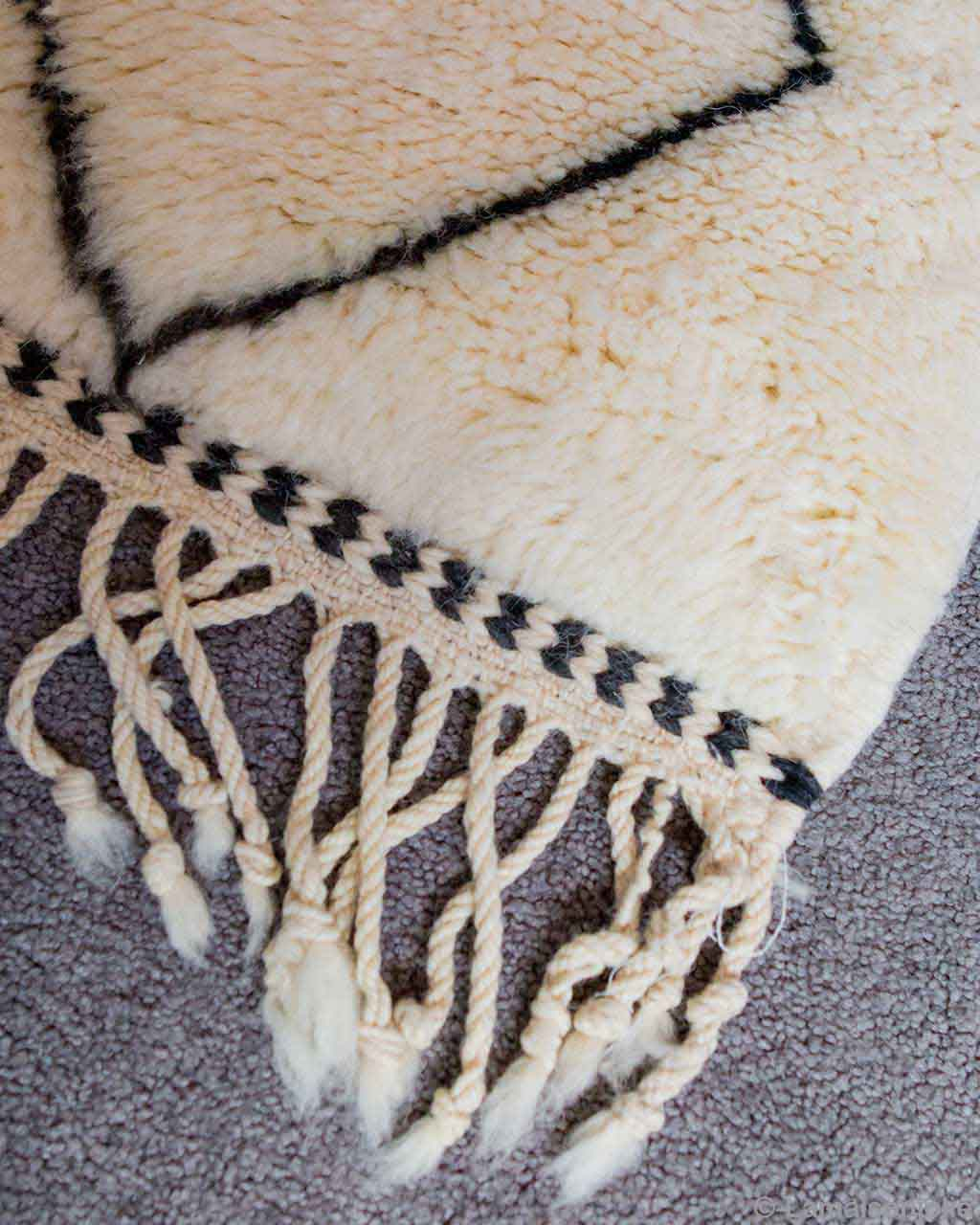 hand knotted made by moroccan traditional pearl beni ourain rugs