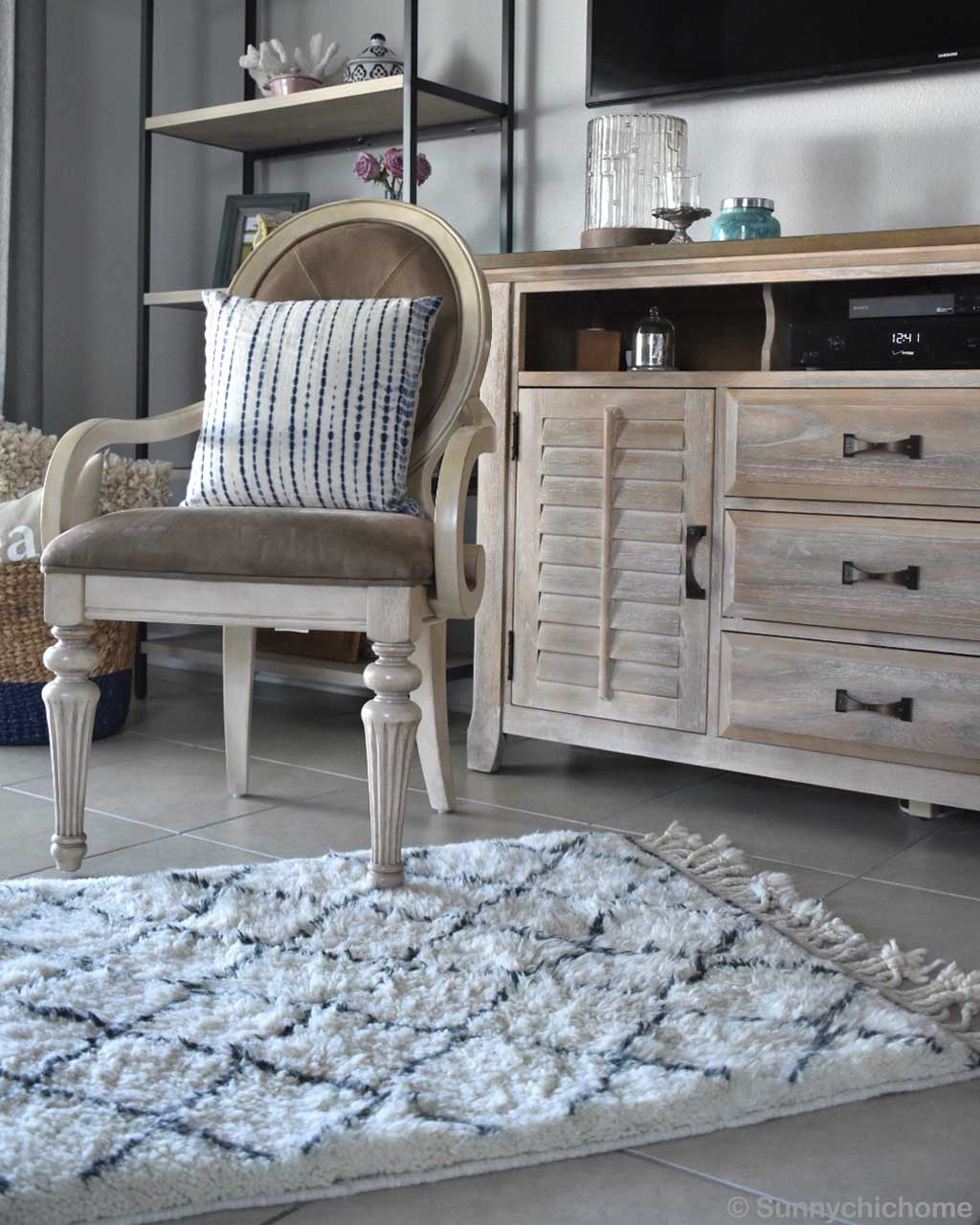 woolen chair with cushion and cabinet rugs